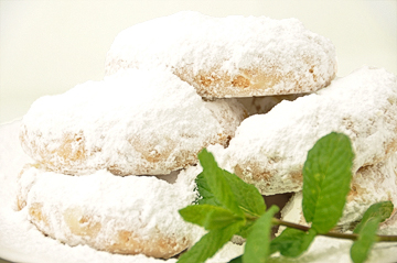 Kourabiedes with oil (traditional festive sweets)